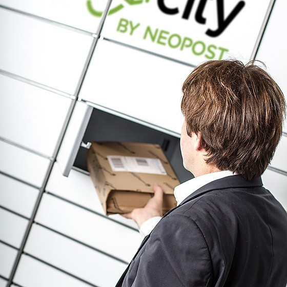 Automated parcel terminals for entreprise parcels pick-up